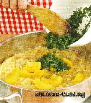 Рис с чечевично-персиковым соусом