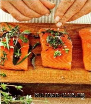 Запеченный лосось с травами