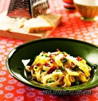 Макароны с беконом и зеленой фасолью