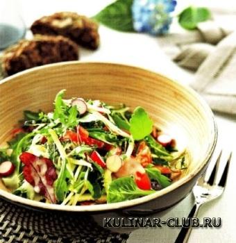 Салат с редисом и цукини