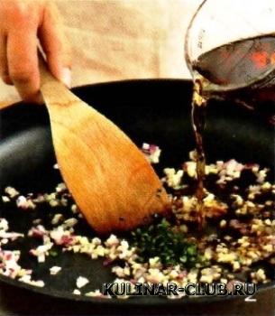 Баранина с винным соусом