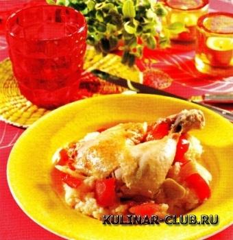 Цыпленок с рисом, перцем и томатами