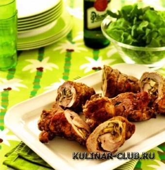 Свиные рулеты с грибами на барбекю