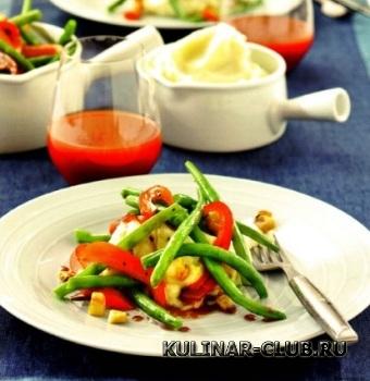 Зеленая фасоль со шпиком и перцем