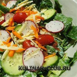 Салат из шпината и овощей