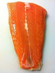 Рыбные биточки в кунжуте, запеченные в духовке